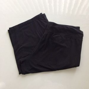 Danskin Now Black Shorts  Size 16-18